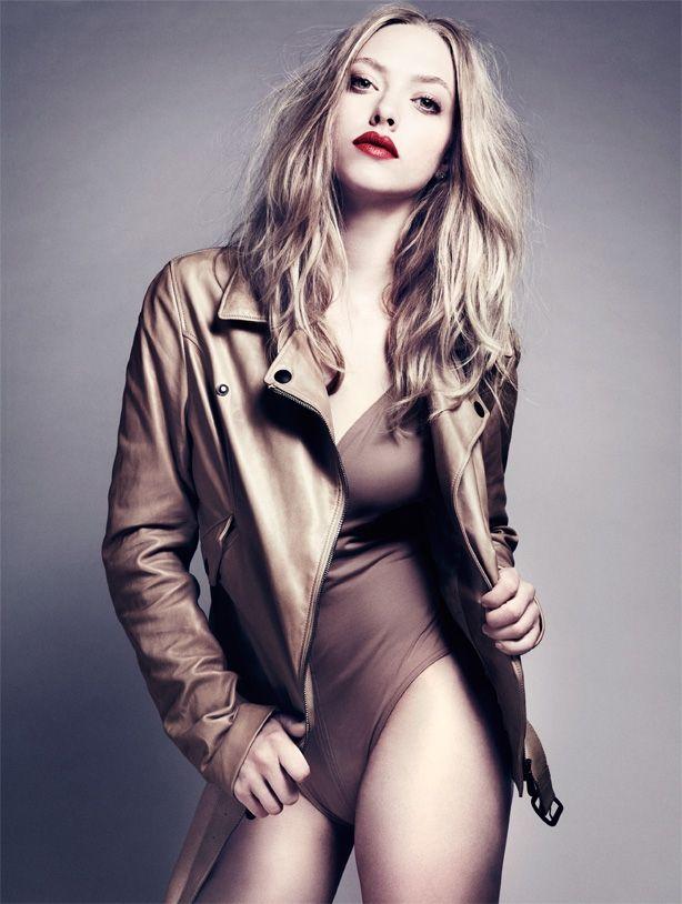 Amanda Seyfried Nude & Sexy 0216