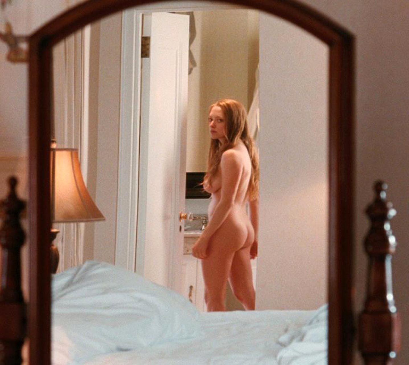 Amanda Seyfried Nude & Sexy 0220