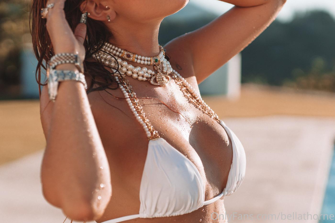 Bella Thorne Pool Bikini Onlyfans Set Leaked 0019