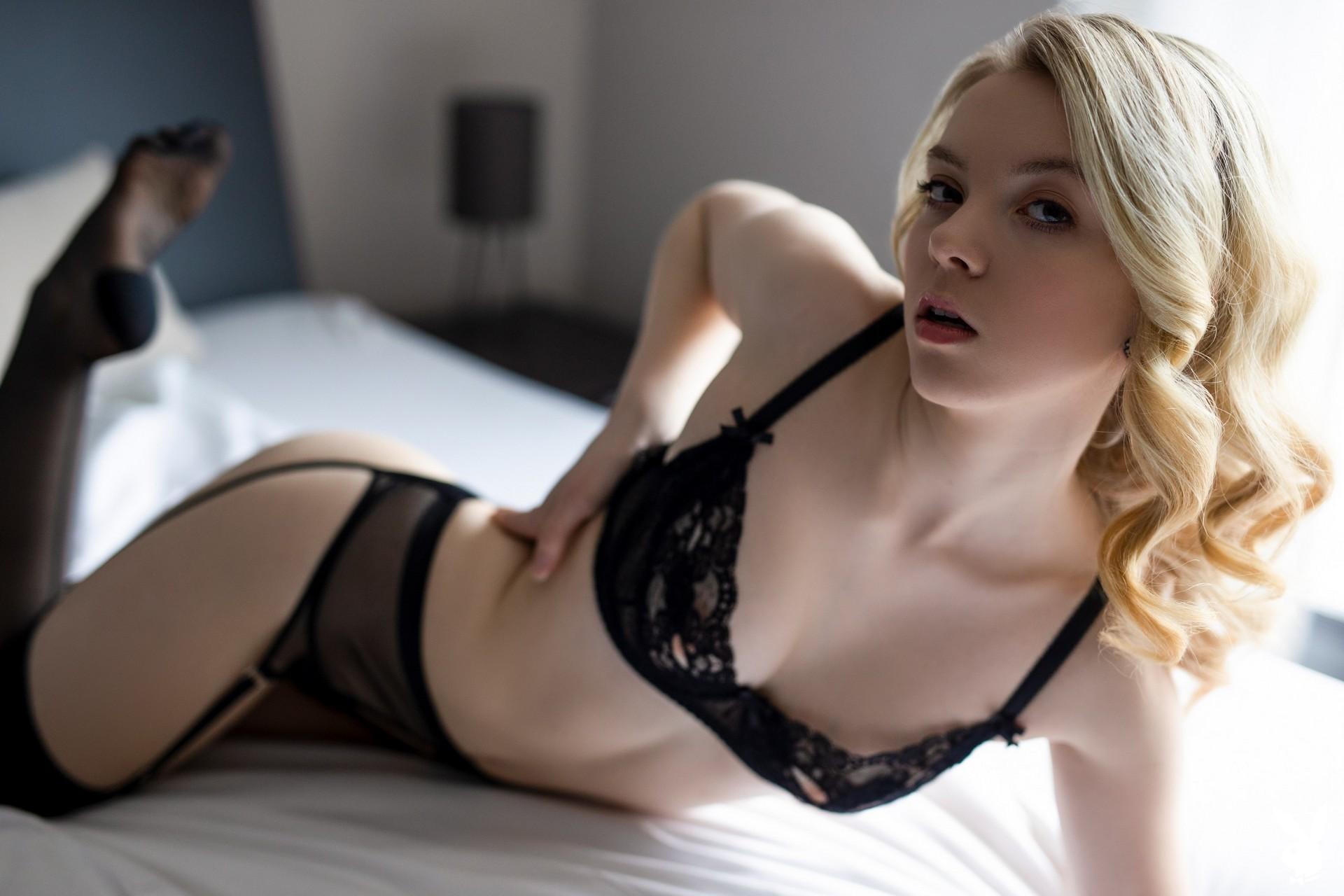 Emmi In Passionately Waiting Playboy Plus (3)