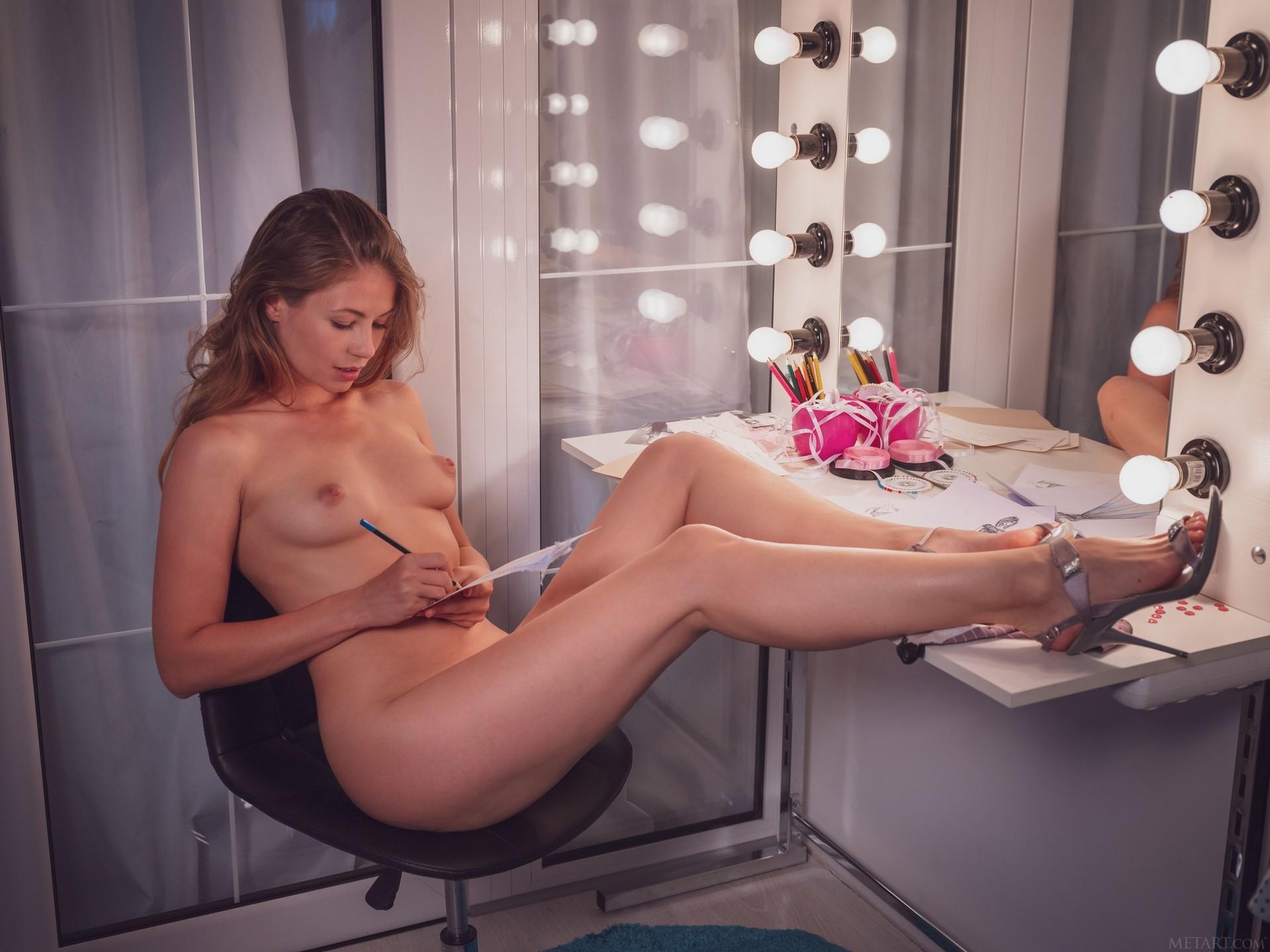 Hilary C In Sketching Playboy Plus (67)
