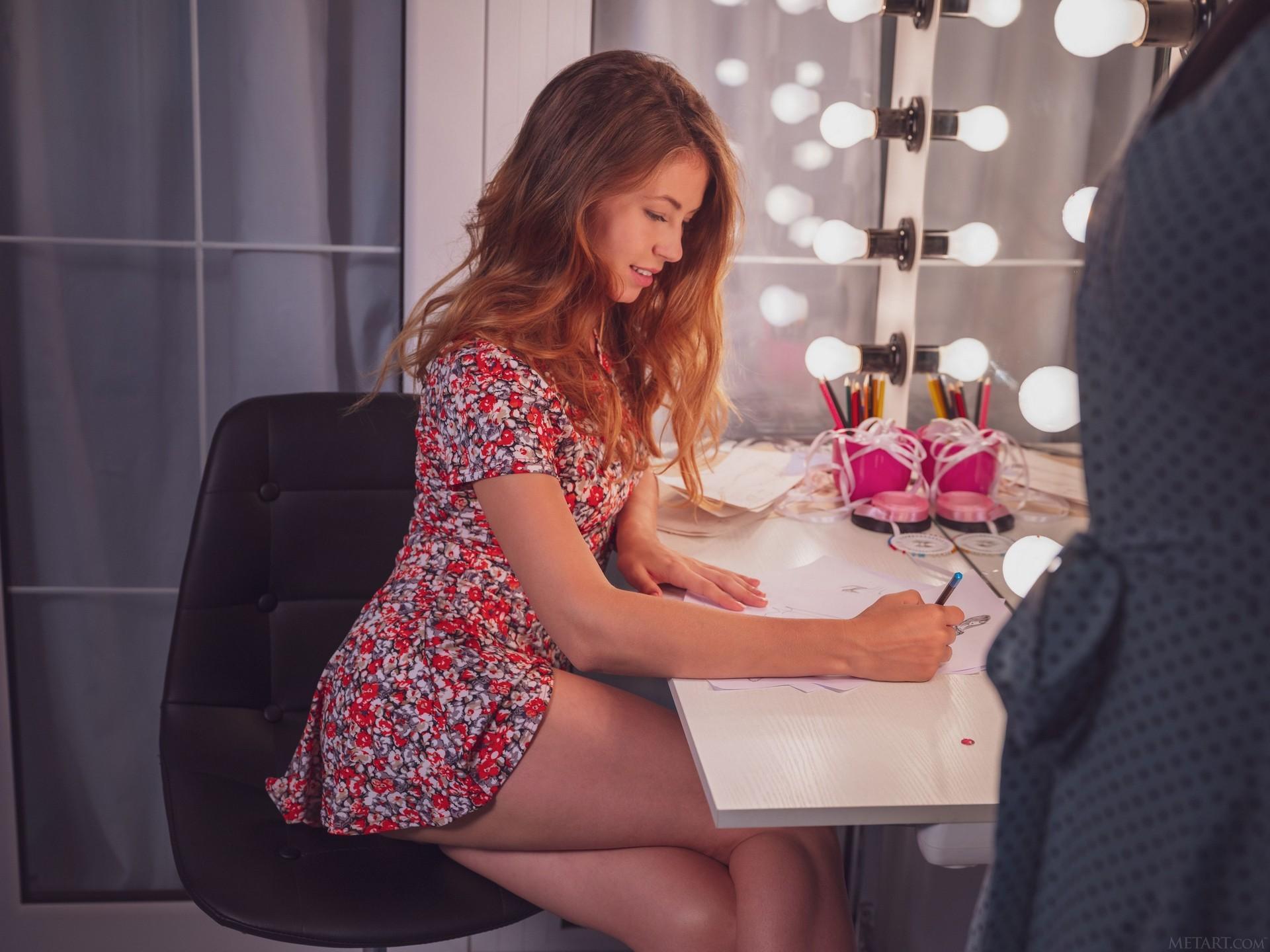 Hilary C In Sketching Playboy Plus (9)