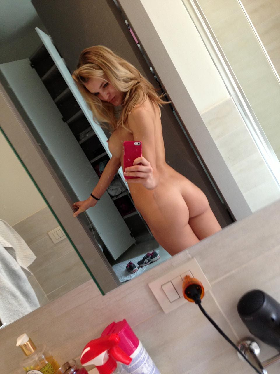 Joy Corrigan Nude Leaked The Fappening & Sexy 0003