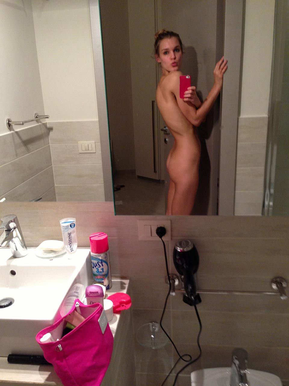 Joy Corrigan Nude Leaked The Fappening & Sexy 0005