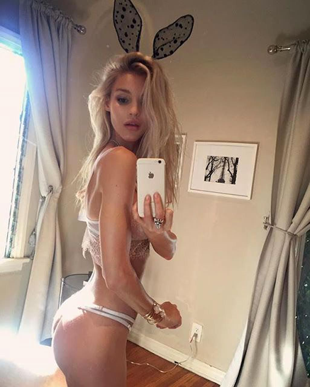 Joy Corrigan Nude Leaked The Fappening & Sexy 0020