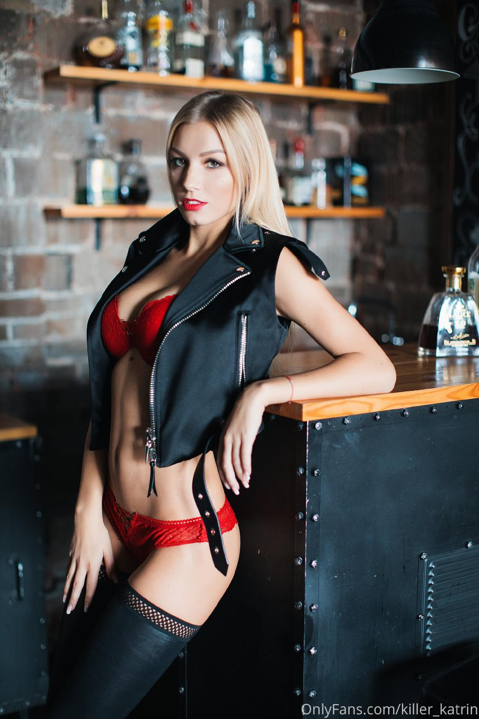 Killer Katrin Bar Striptease Onlyfans Set Leaked 0001
