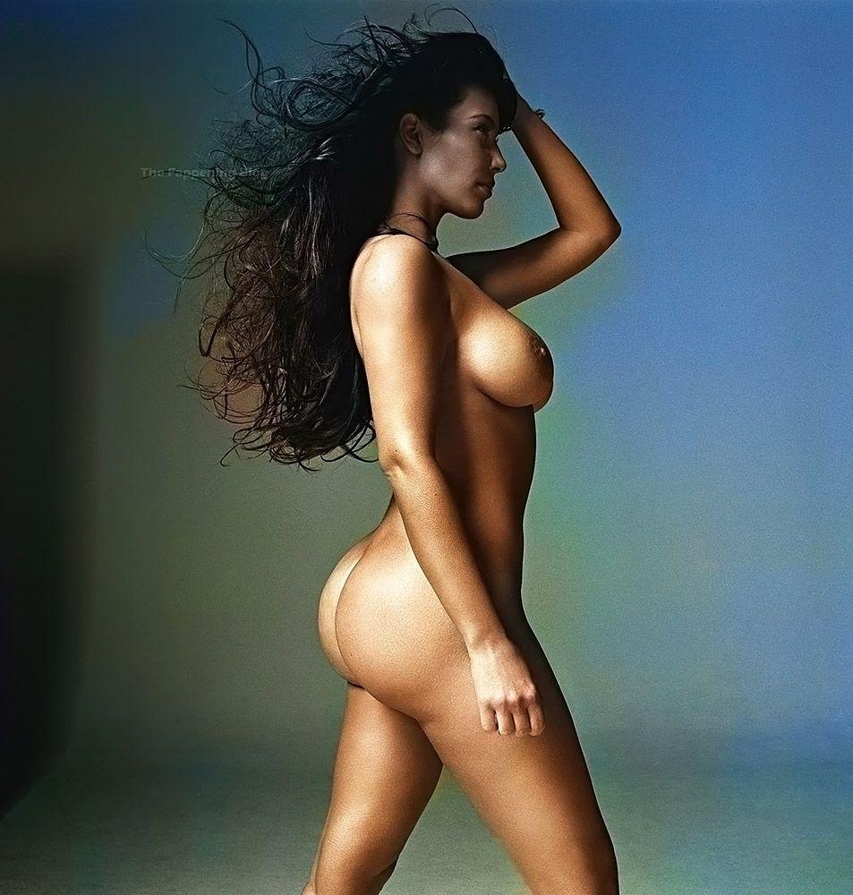 Kim Kardashian Nude And Sexy 0013