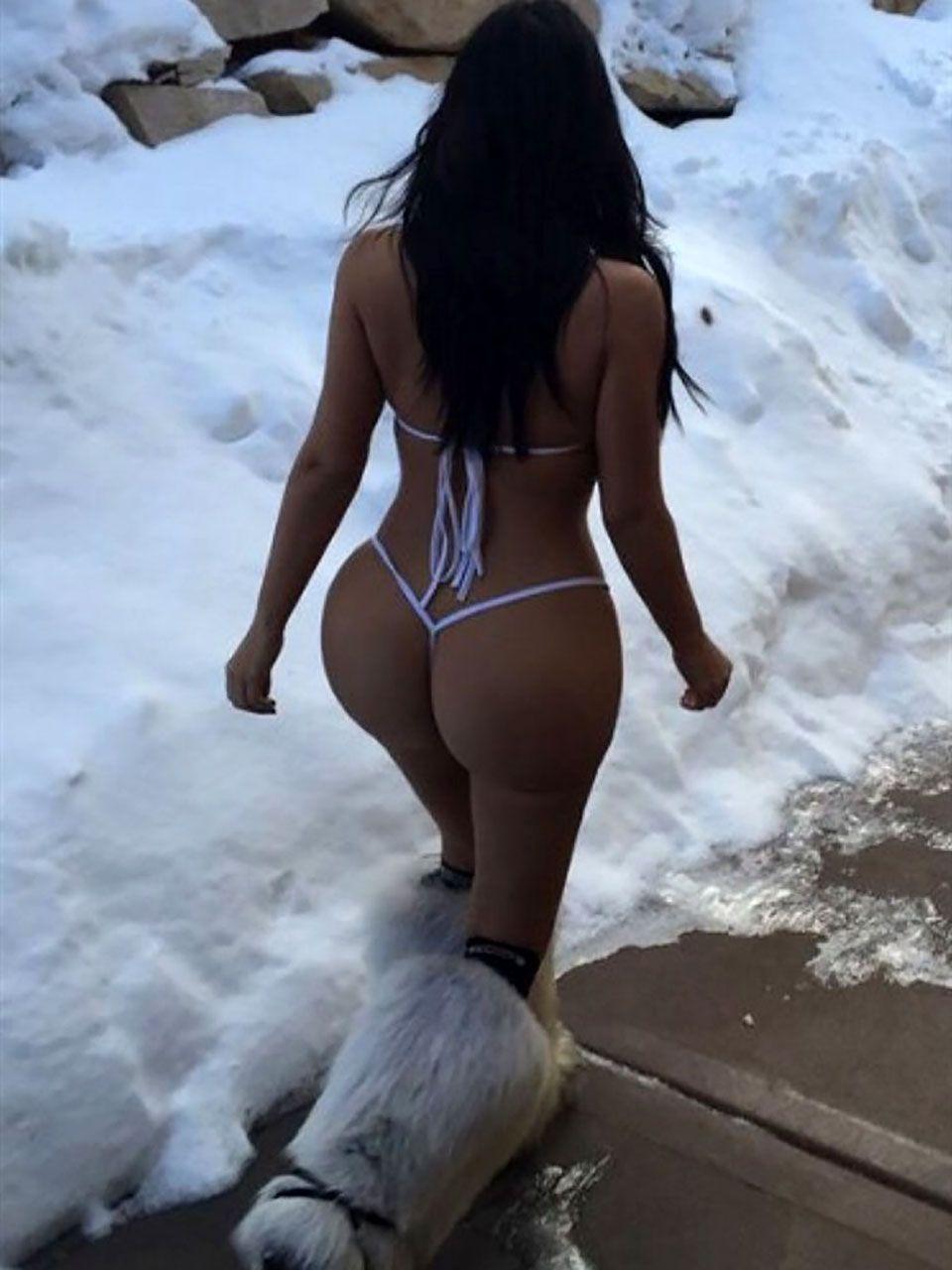 Kim Kardashian Nude And Sexy 0025