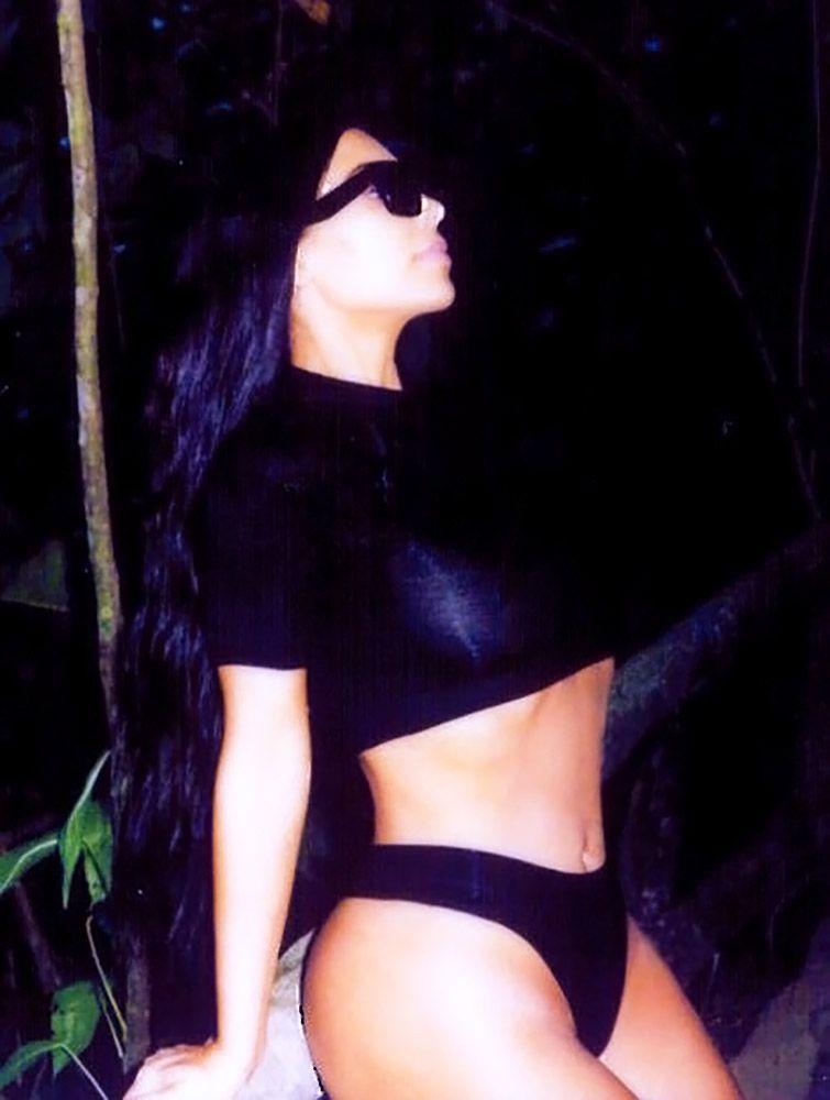Kim Kardashian Nude And Sexy 0041