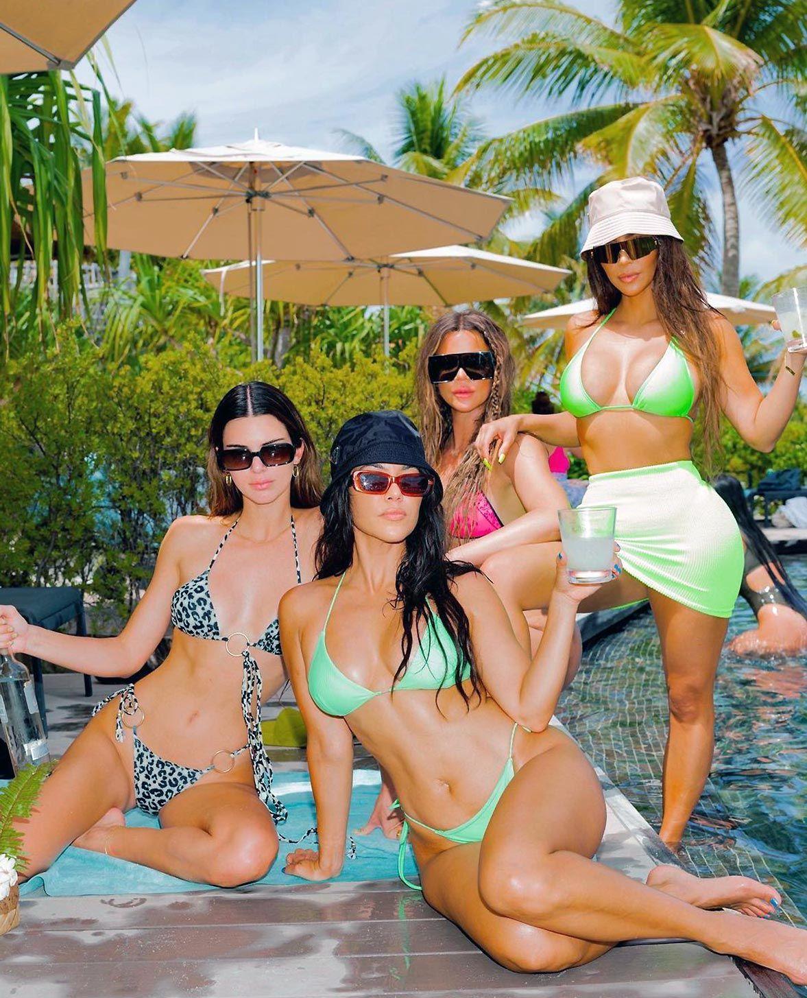 Kim Kardashian Nude And Sexy 0087