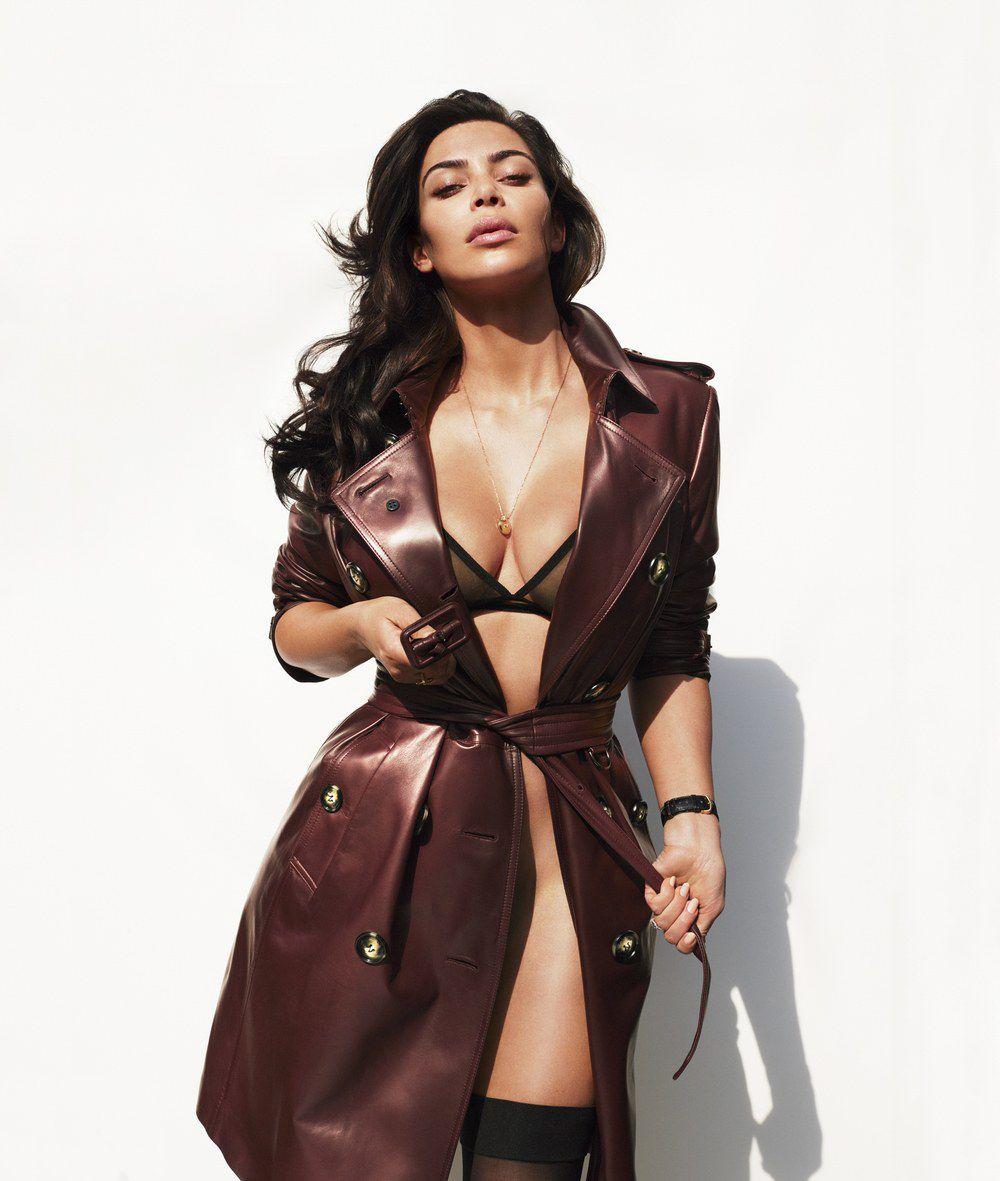 Kim Kardashian Nude And Sexy 0114