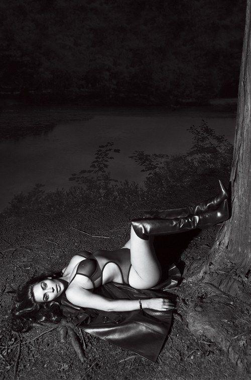 Kim Kardashian Nude And Sexy 0116