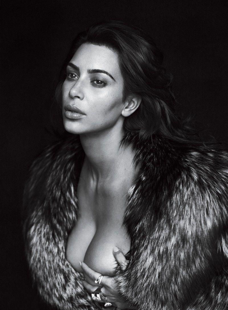 Kim Kardashian Nude And Sexy 0117