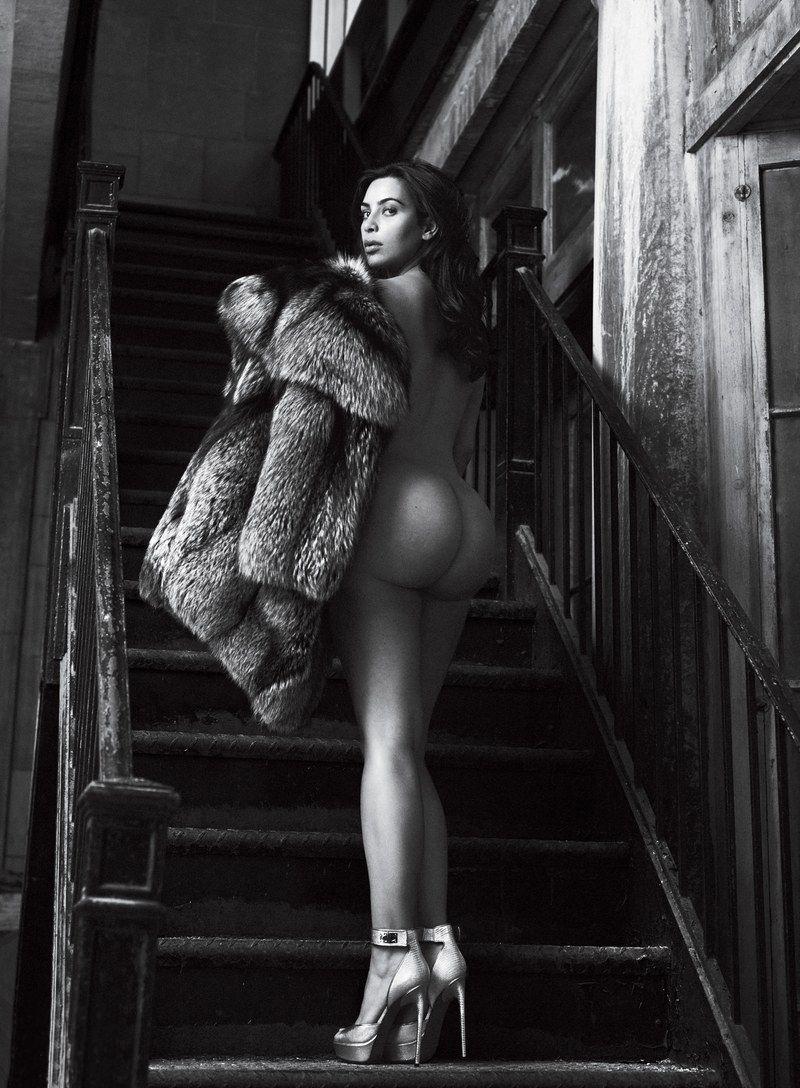 Kim Kardashian Nude And Sexy 0118