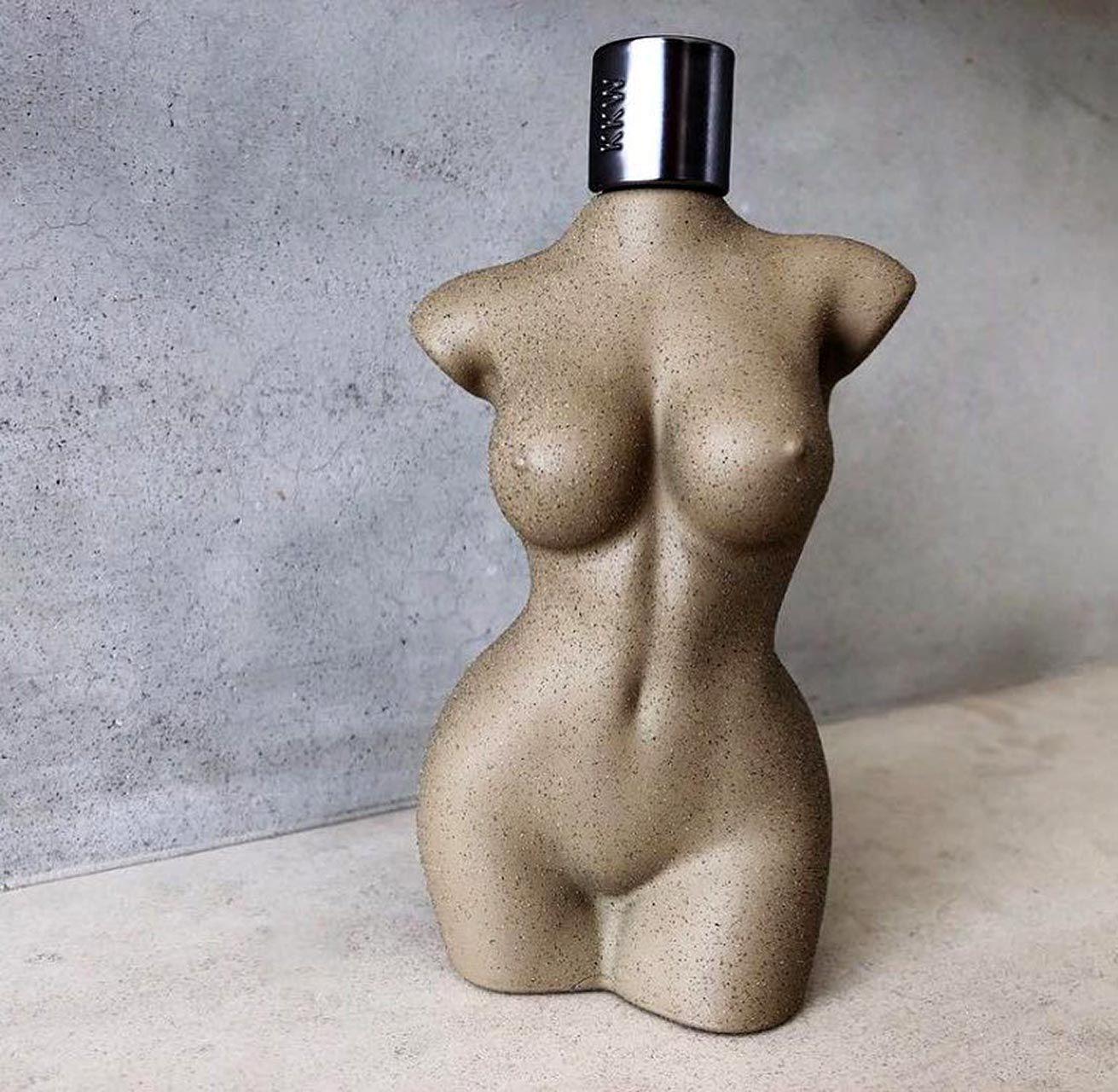 Kim Kardashian Nude And Sexy 0129