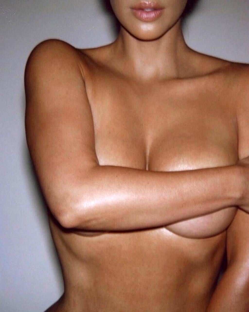 Kim Kardashian Nude And Sexy 0140