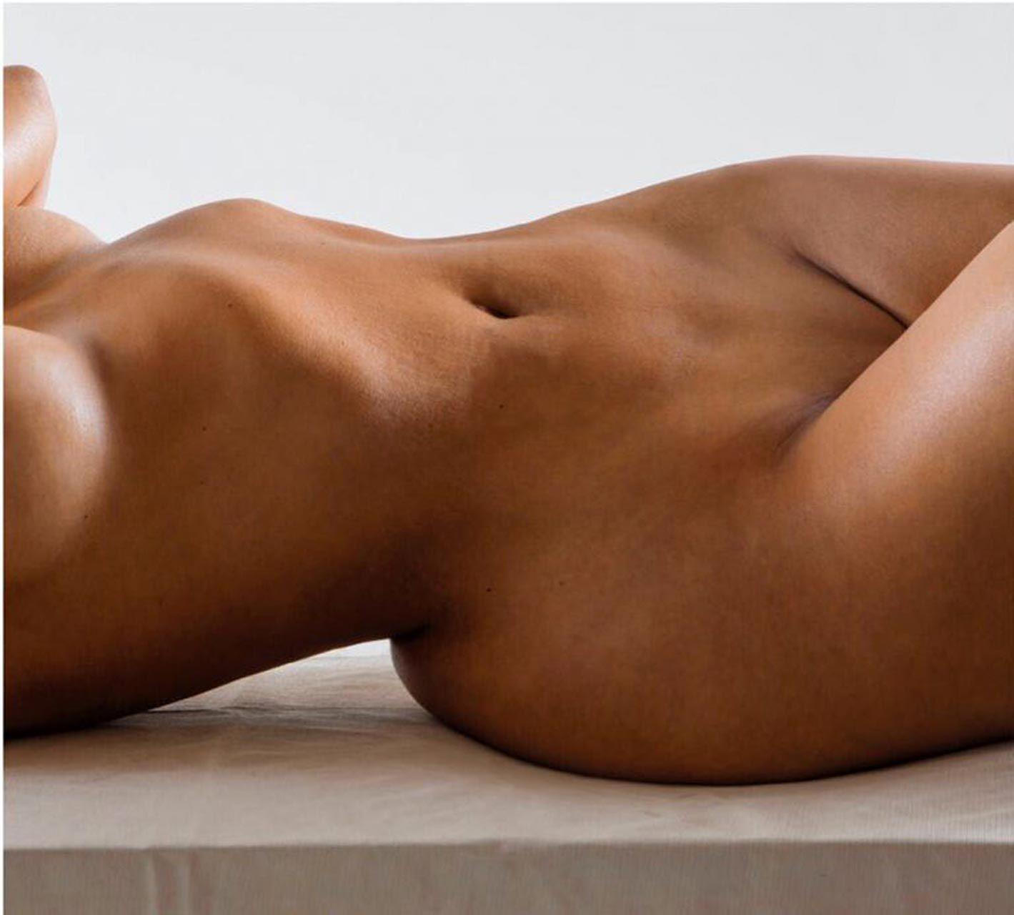 Kim Kardashian Nude And Sexy 0142