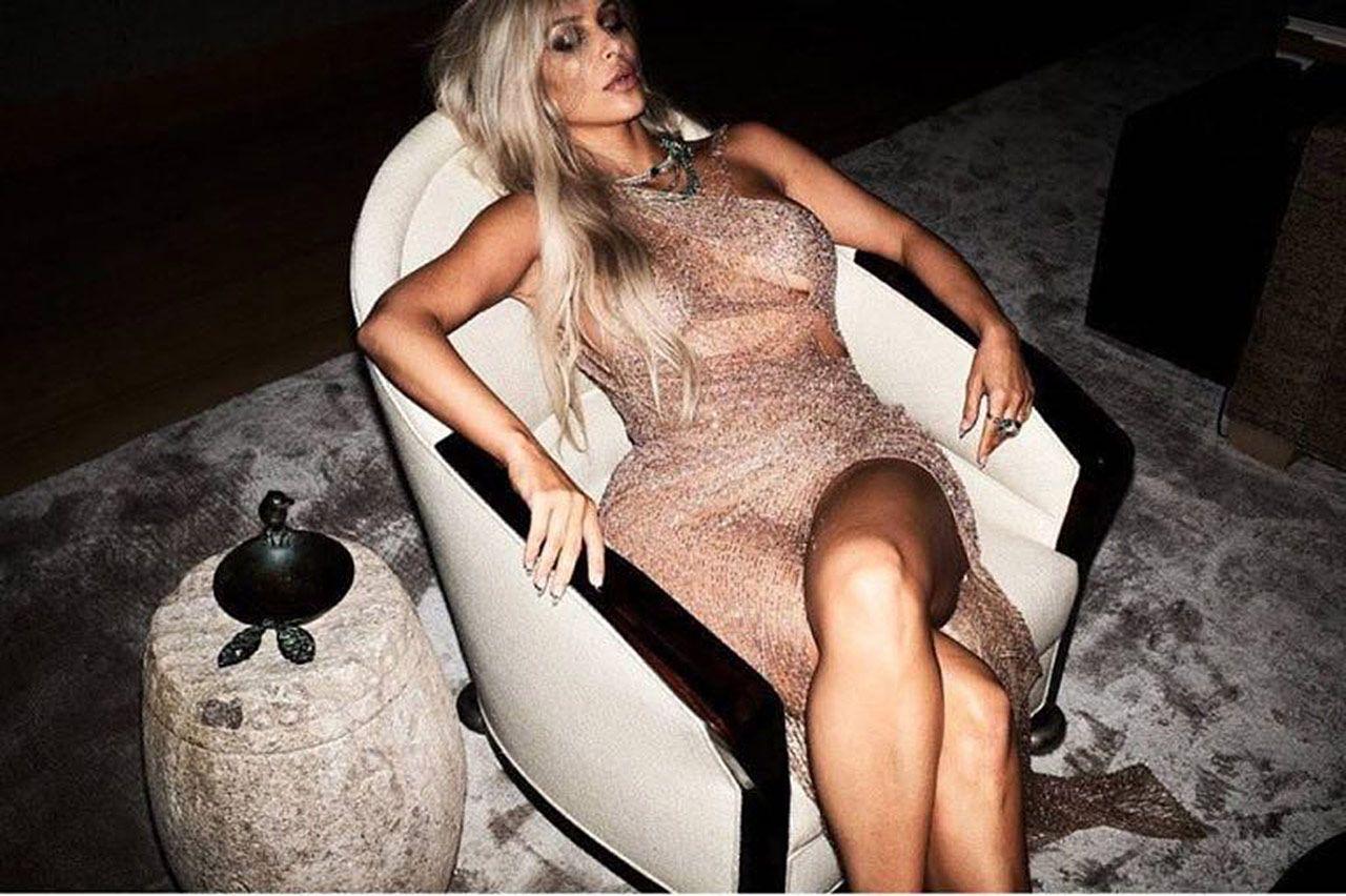 Kim Kardashian Nude And Sexy 0143