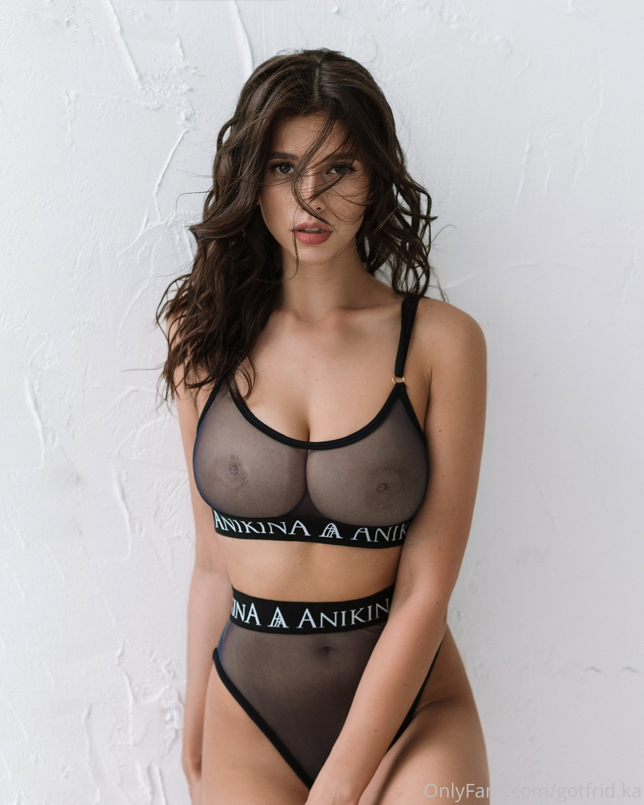 Kristina Alex (35)