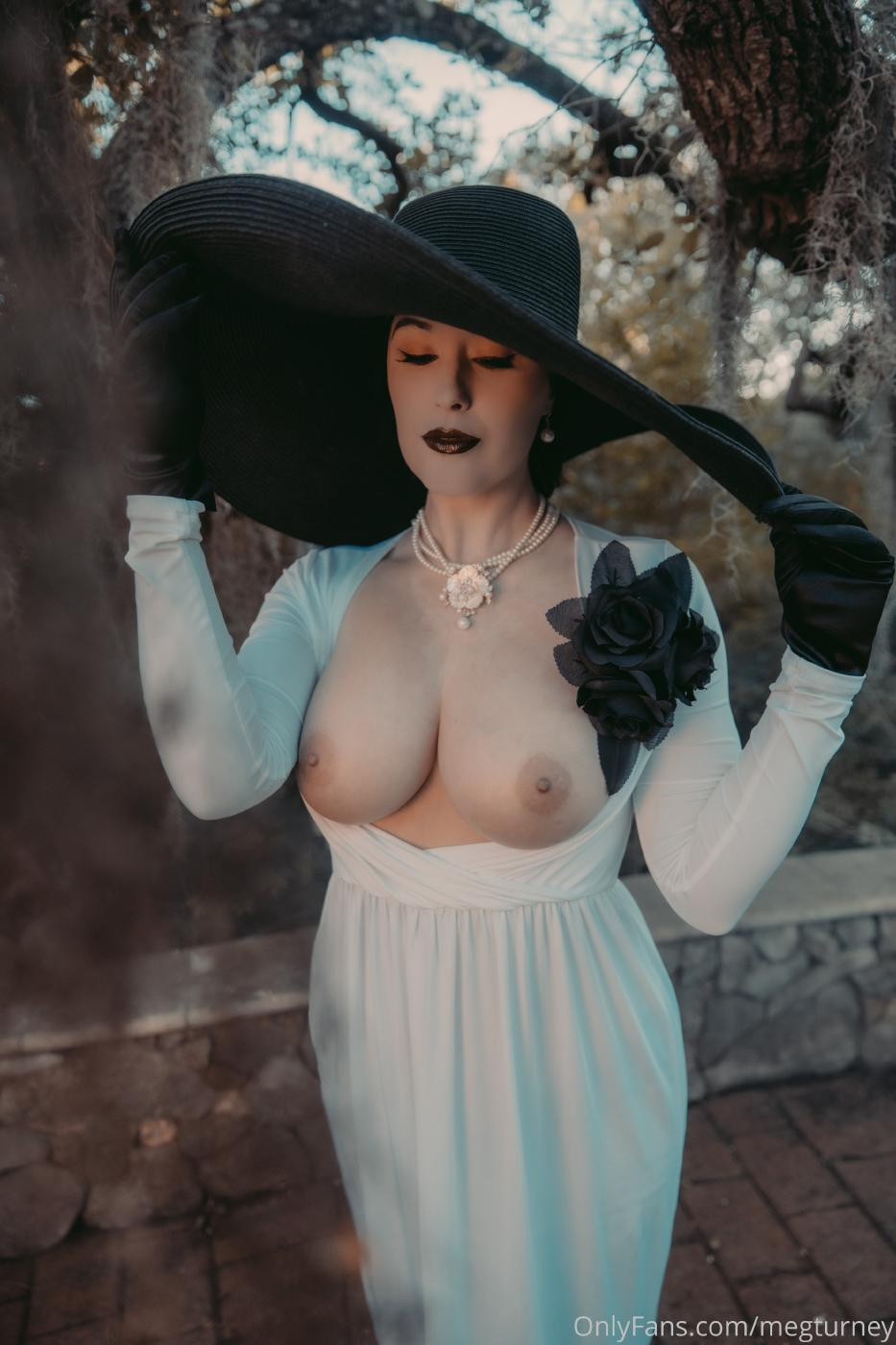 Meg Turney Lady Dimitrescu Cosplay Onlyfans Set Leaked 0011