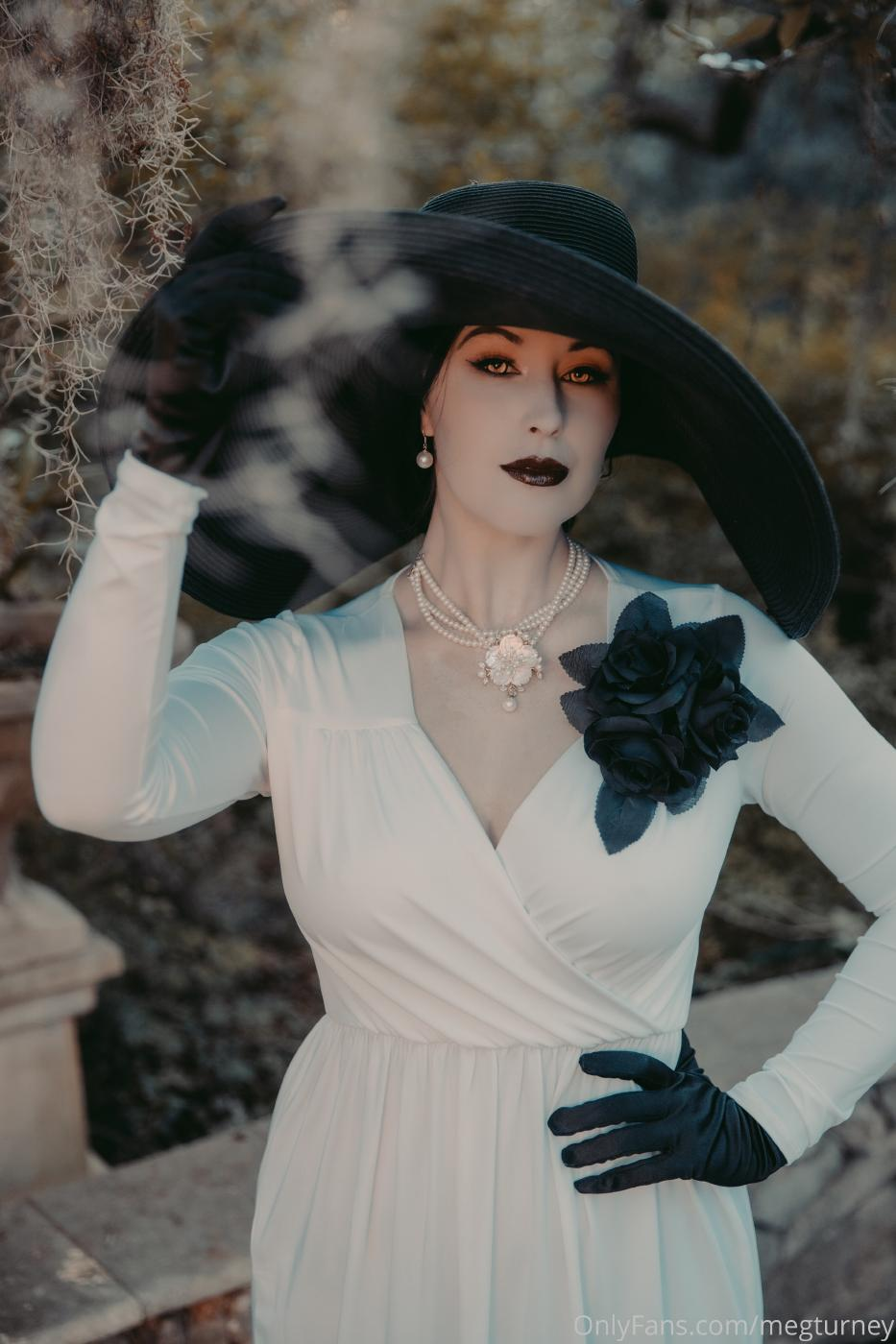 Meg Turney Lady Dimitrescu Cosplay Onlyfans Set Leaked 0018