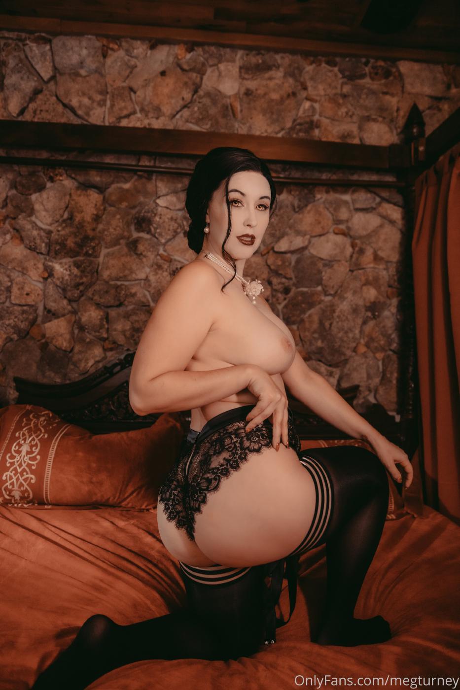Meg Turney Lady Dimitrescu Cosplay Onlyfans Set Leaked 0029