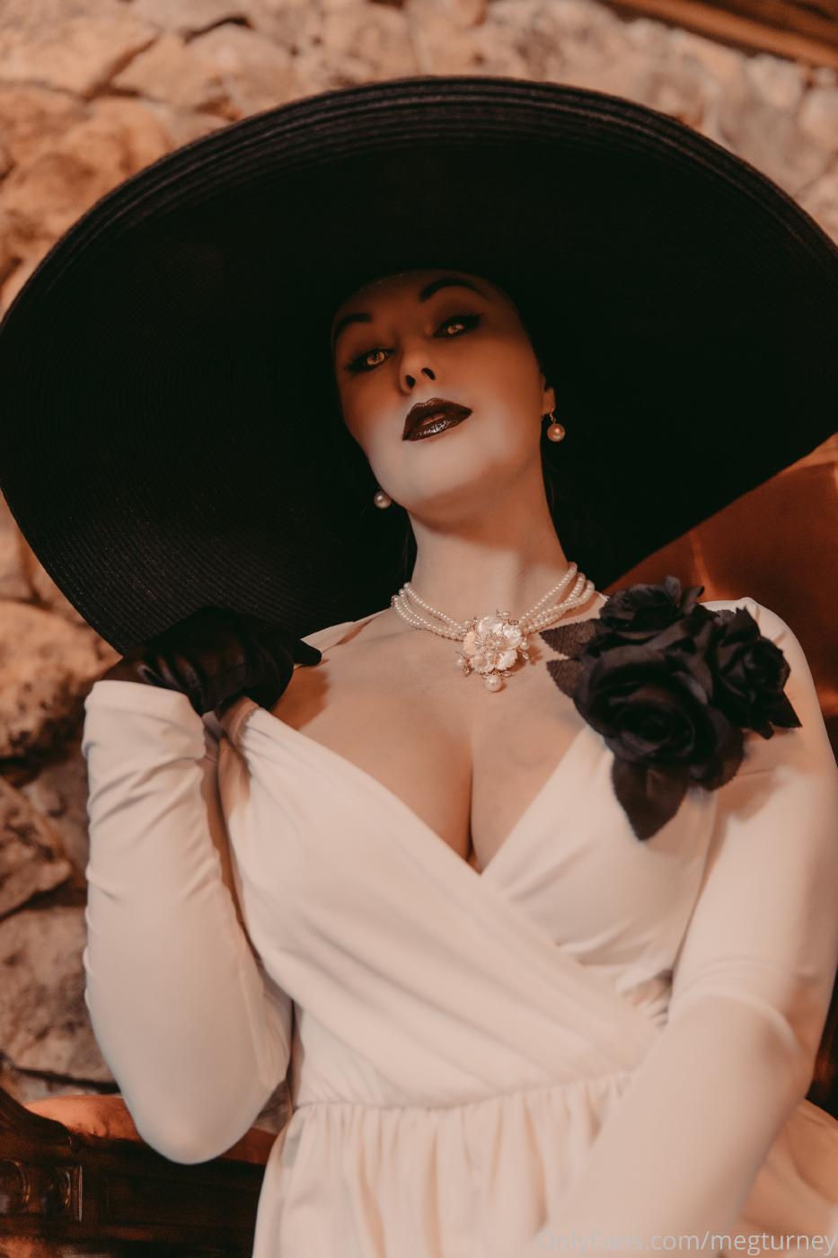 Meg Turney Lady Dimitrescu Cosplay Onlyfans Set Leaked 0036