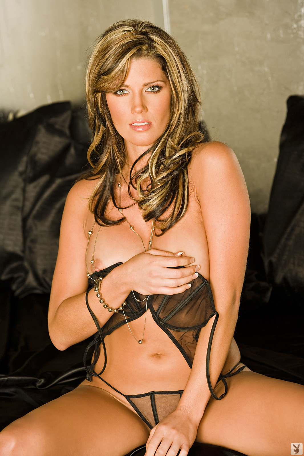Playmate Exclusive May 2009 Crystal Mccahill0003