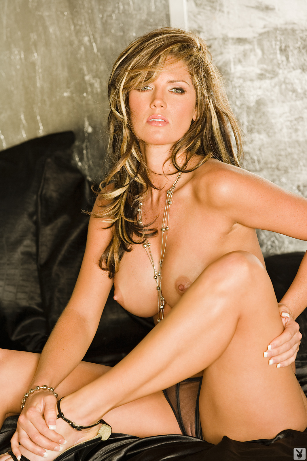 Playmate Exclusive May 2009 Crystal Mccahill0007