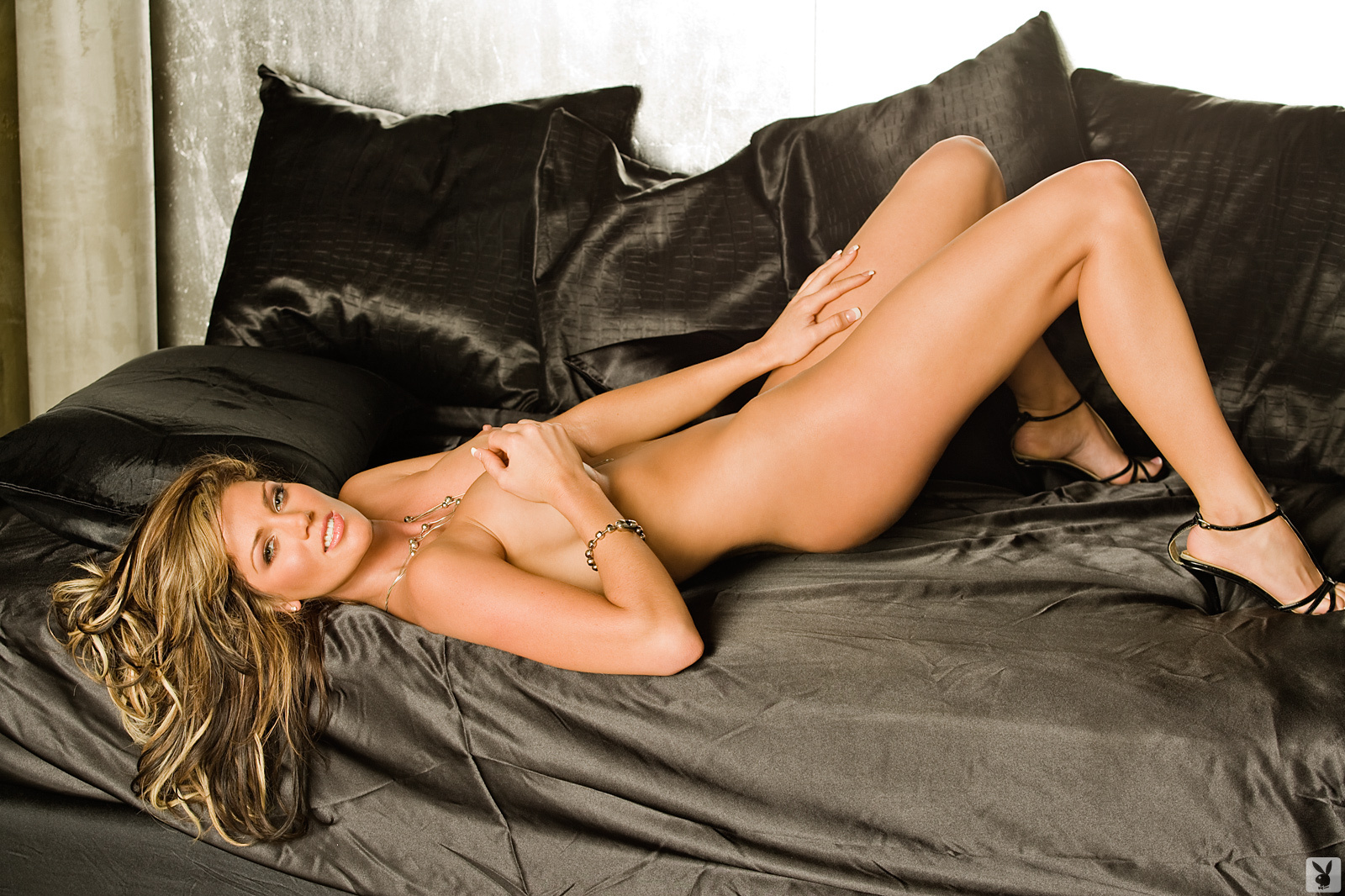 Playmate Exclusive May 2009 Crystal Mccahill0017