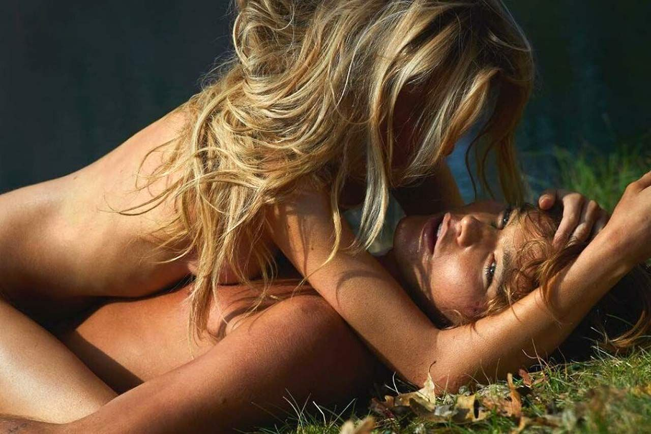 Stella Maxwell Nude Leaked Naked (84)