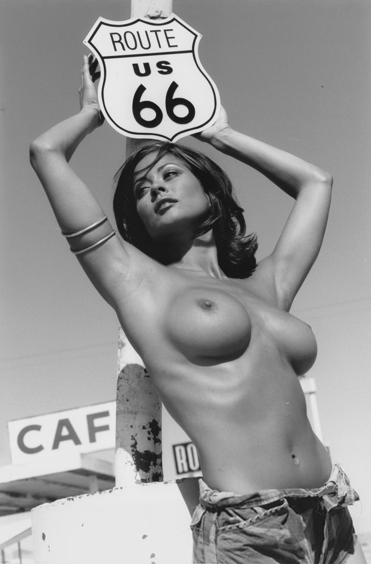 Brooke Burke Nude (8)