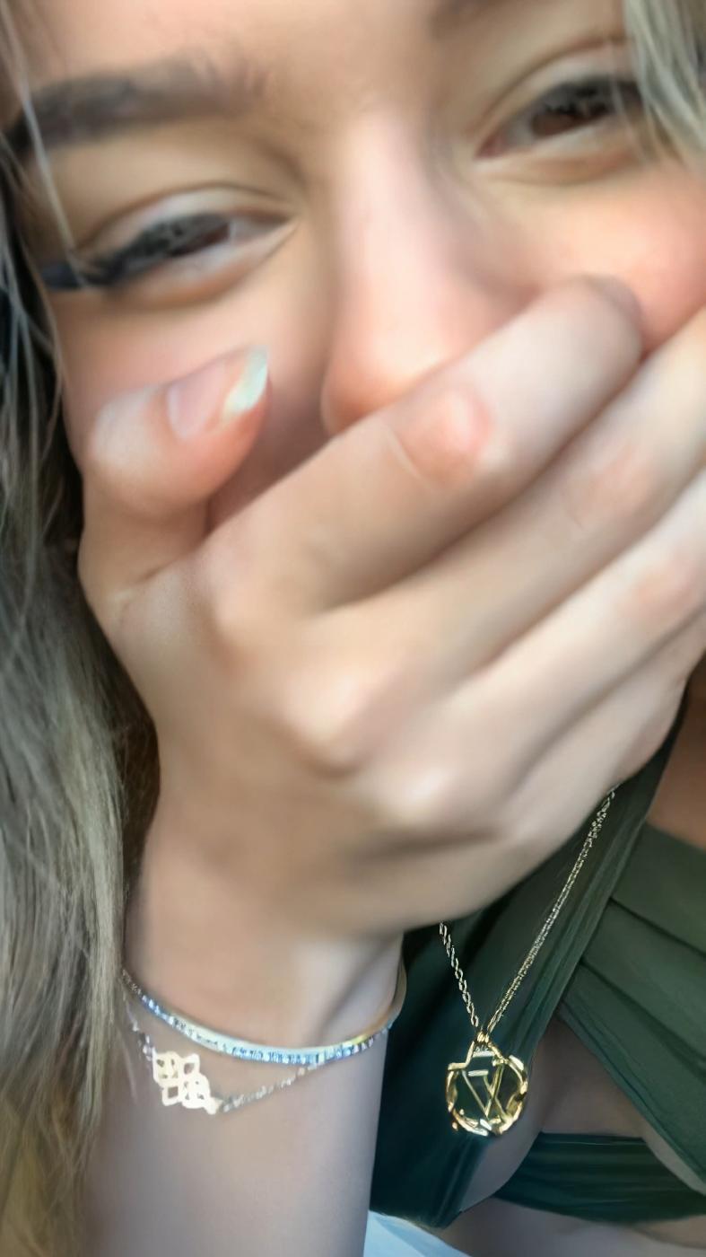 Lea Elui Ginet Nipple Slip Instagram Livestream Leaked Alecax