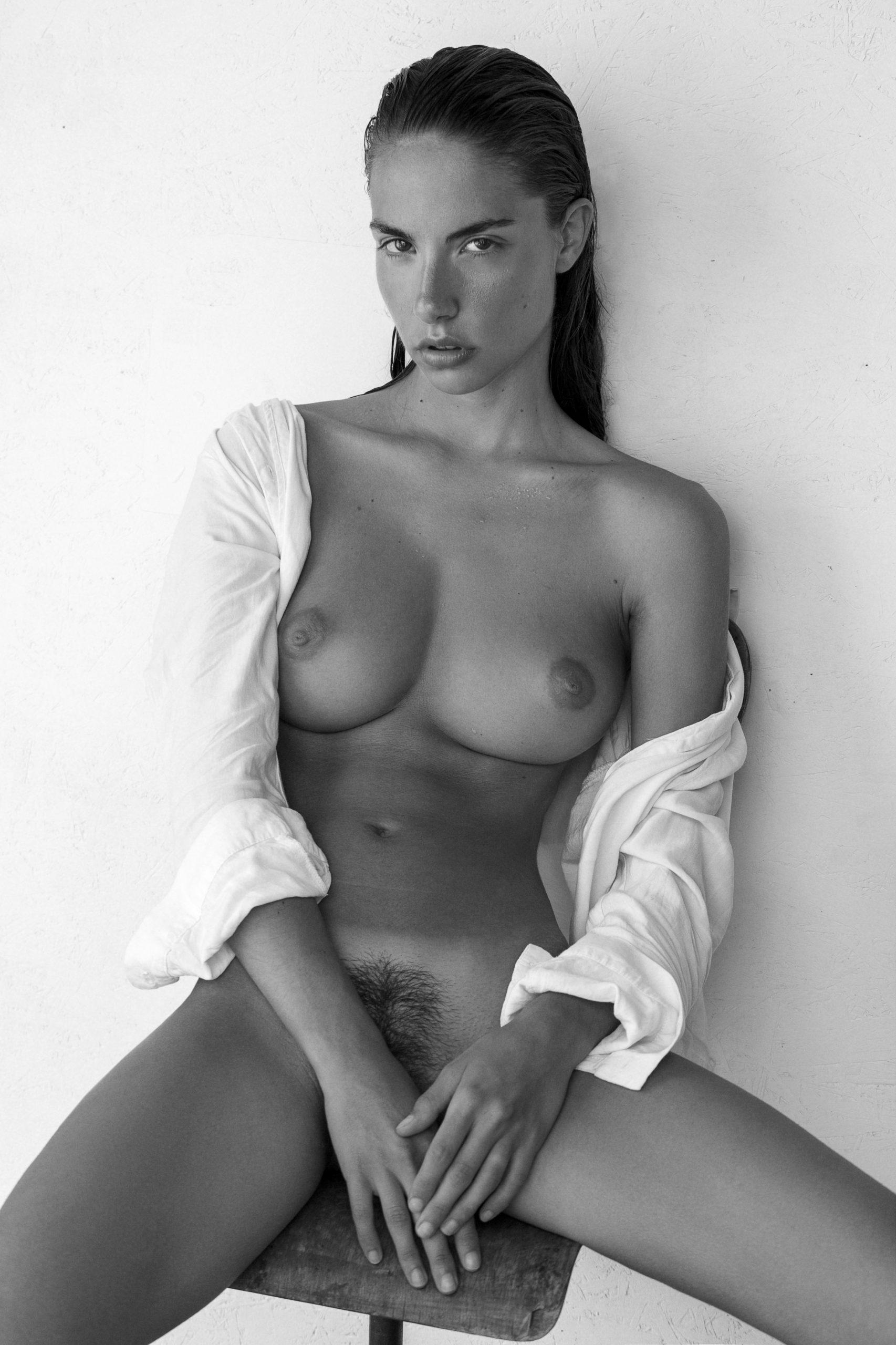 Rebecca Bagnol Nude (1)