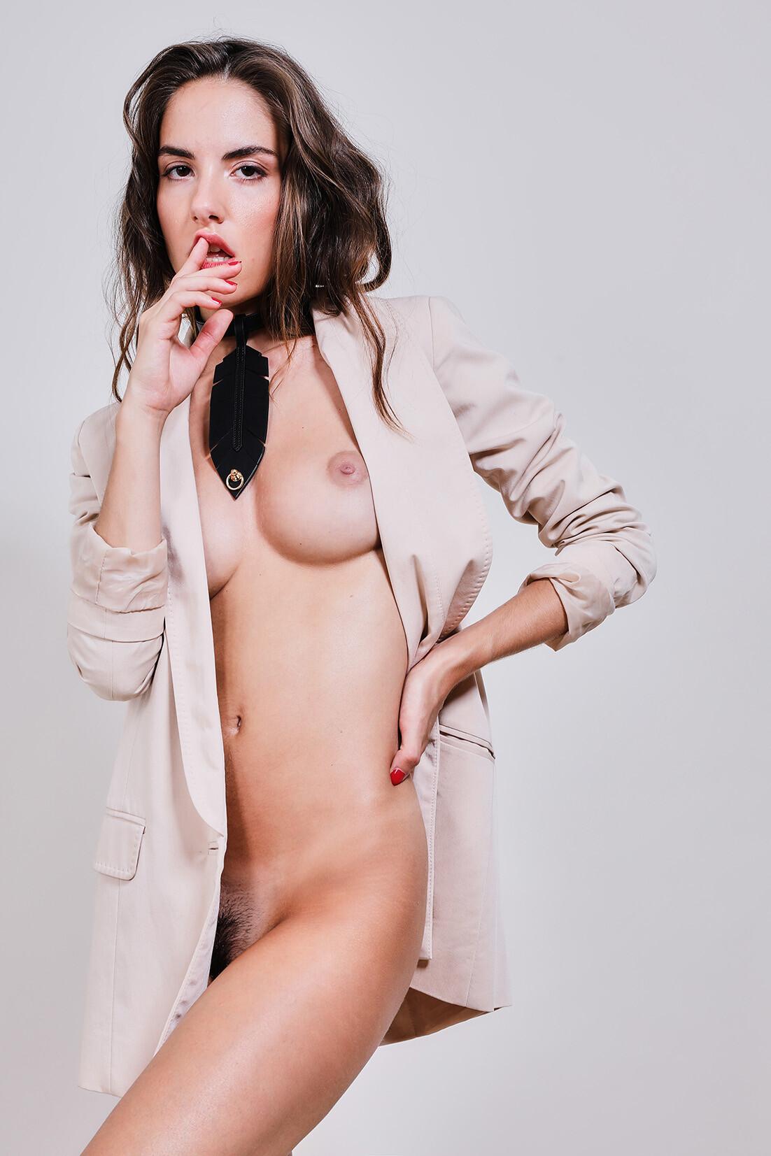 Rebecca Bagnol Nude (141)