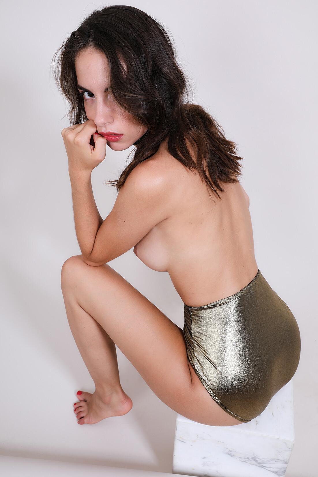 Rebecca Bagnol Nude (157)
