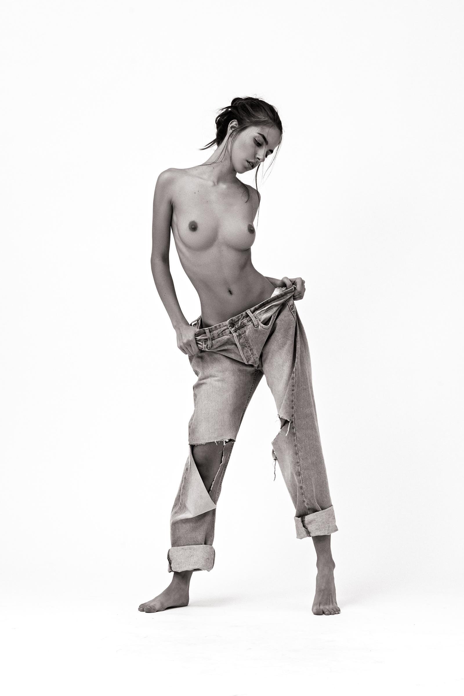 Rebecca Bagnol Nude (215)