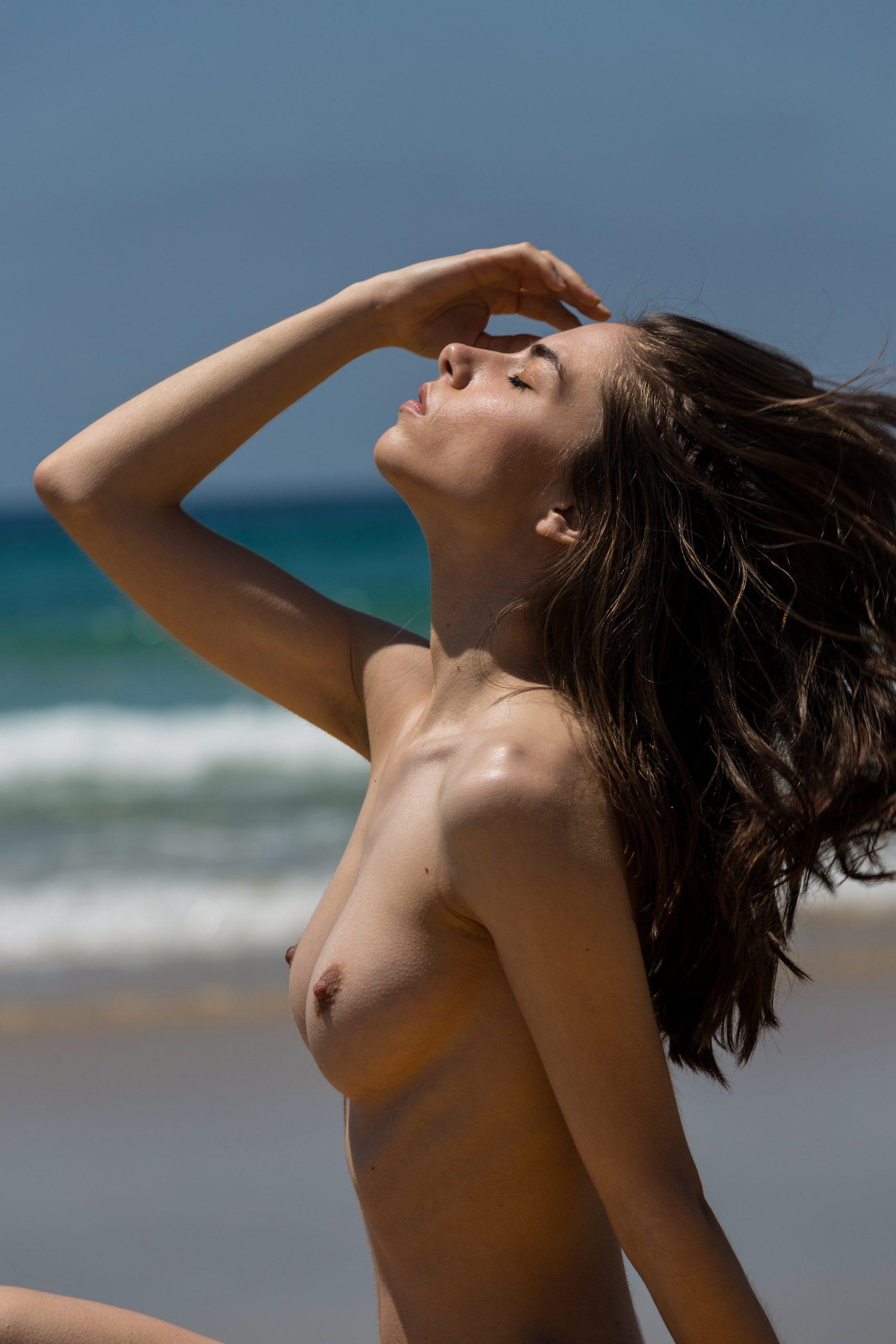 Rebecca Bagnol Nude (222)