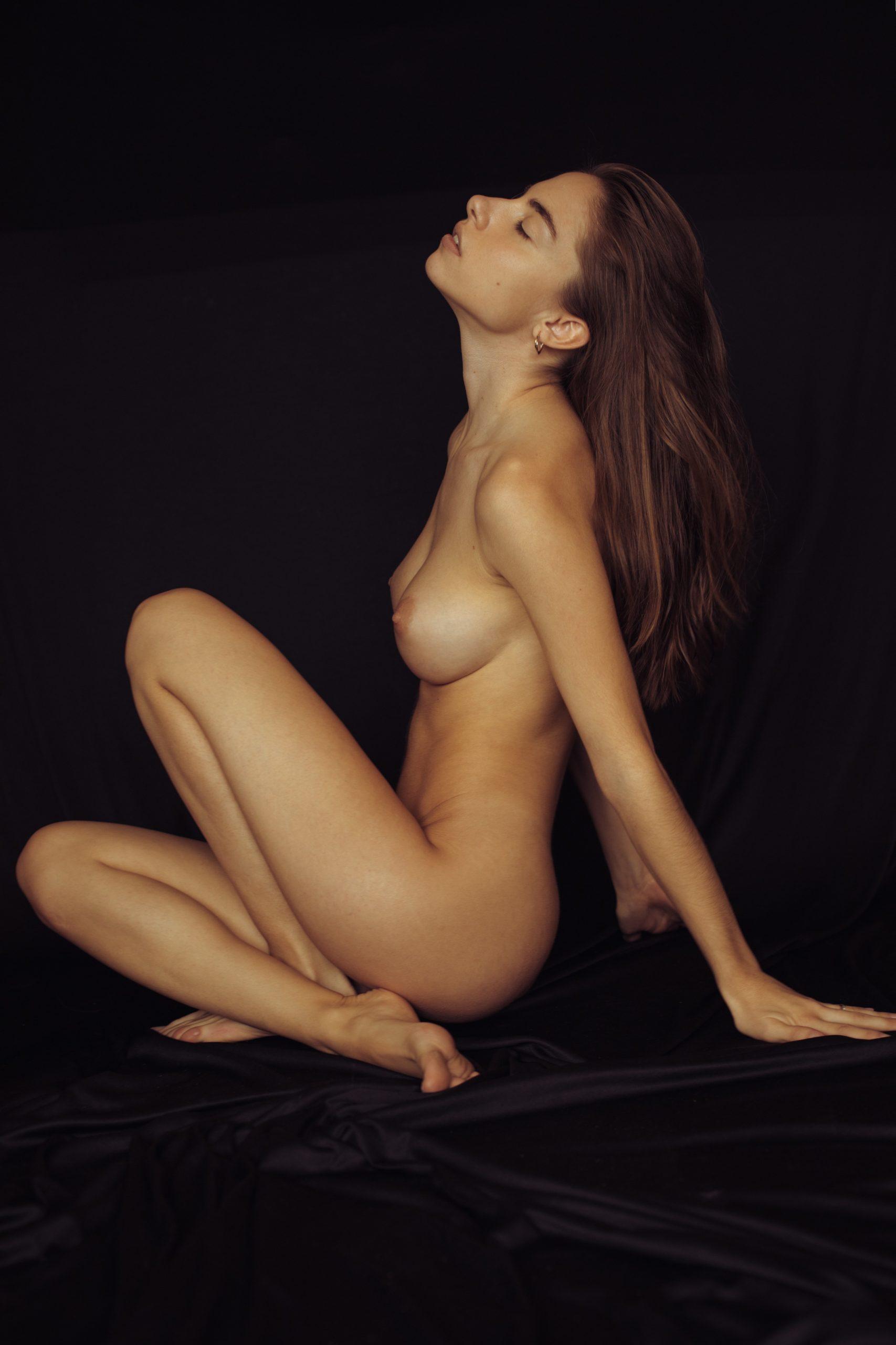Rebecca Bagnol Nude (251)