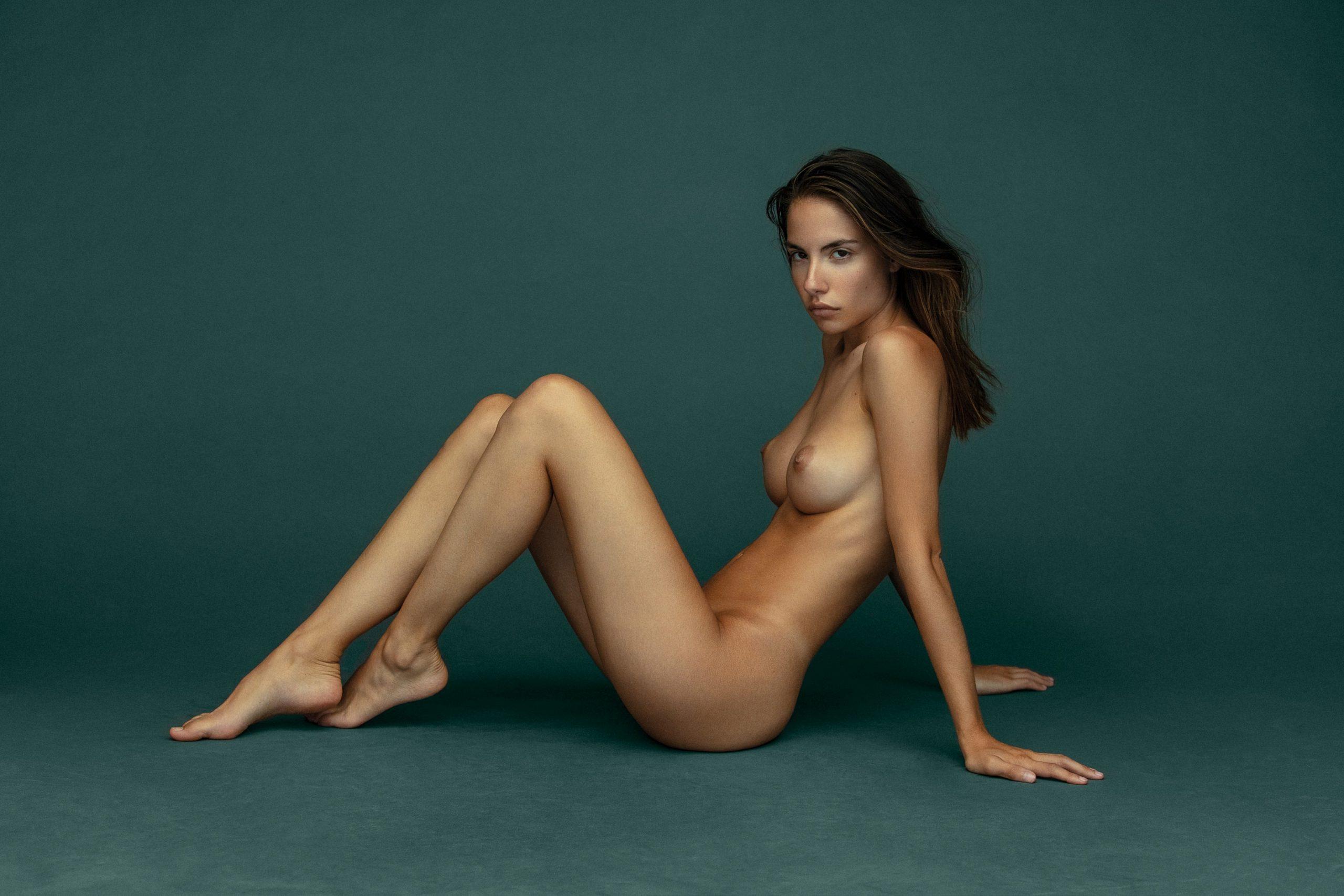Rebecca Bagnol Nude (255)