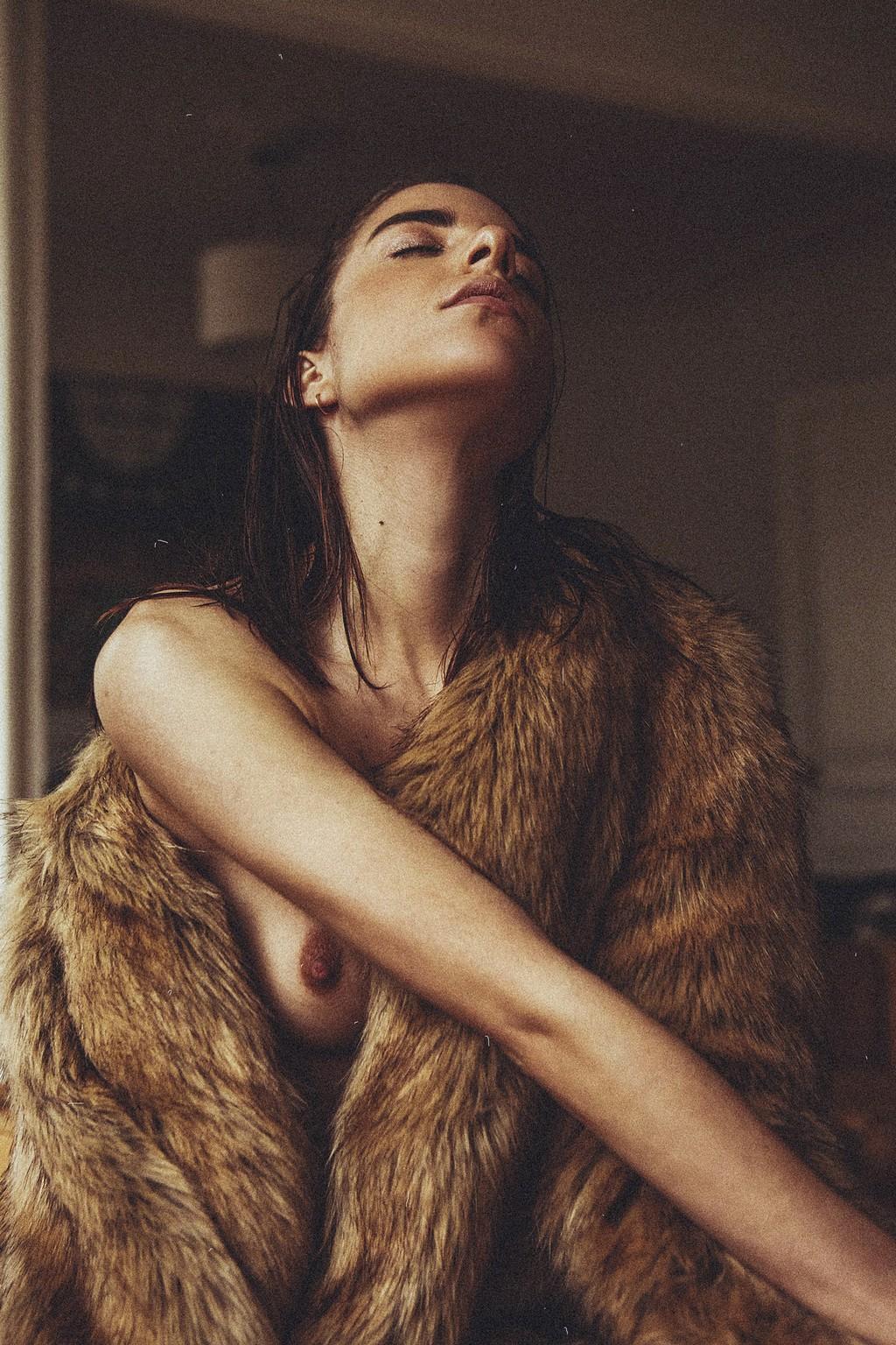 Rebecca Bagnol Nude (274)