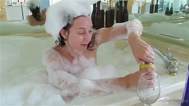 Zophielicious Nude Bathtub Video Leaked