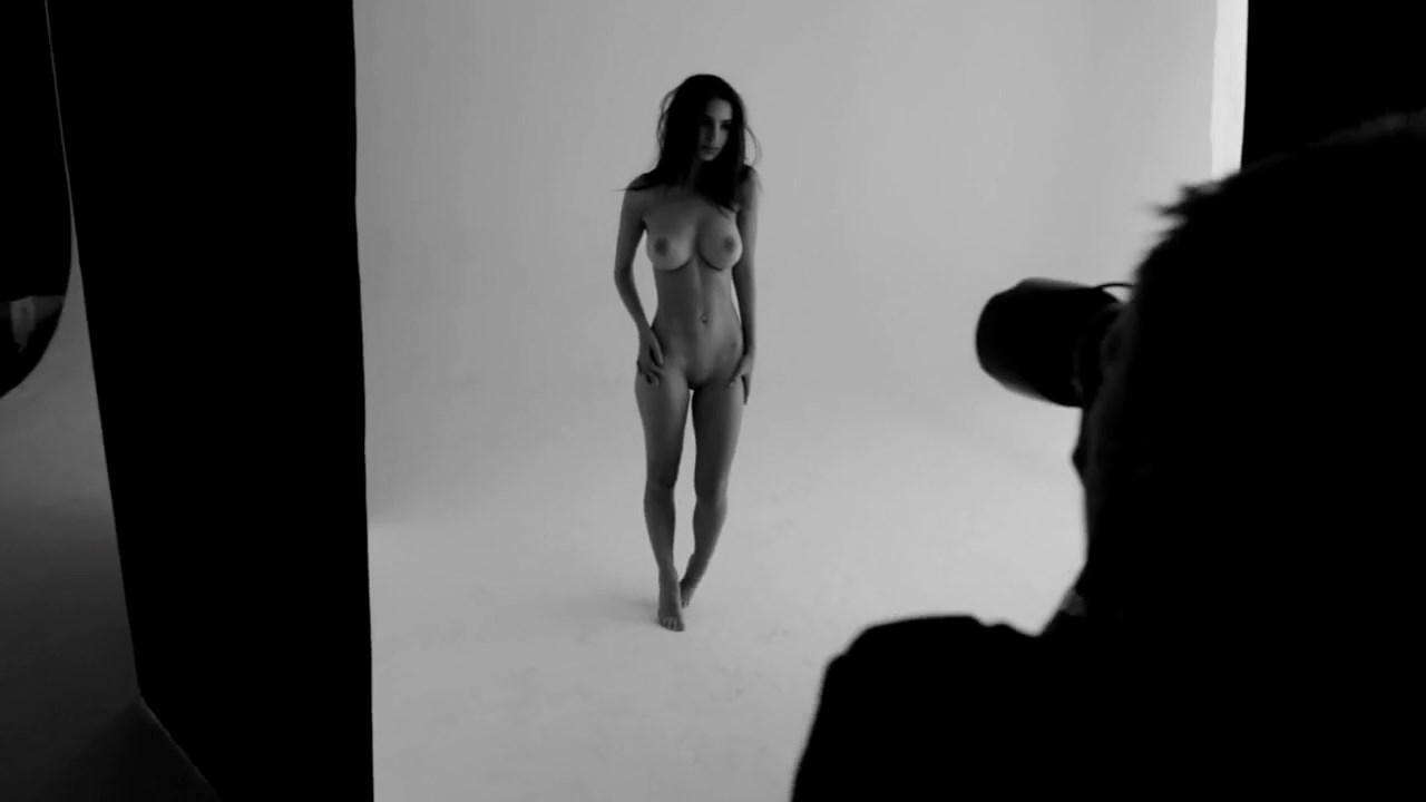 Emily Ratajkowski Treats Nude Photoshoot Video Leaked Cxogzg