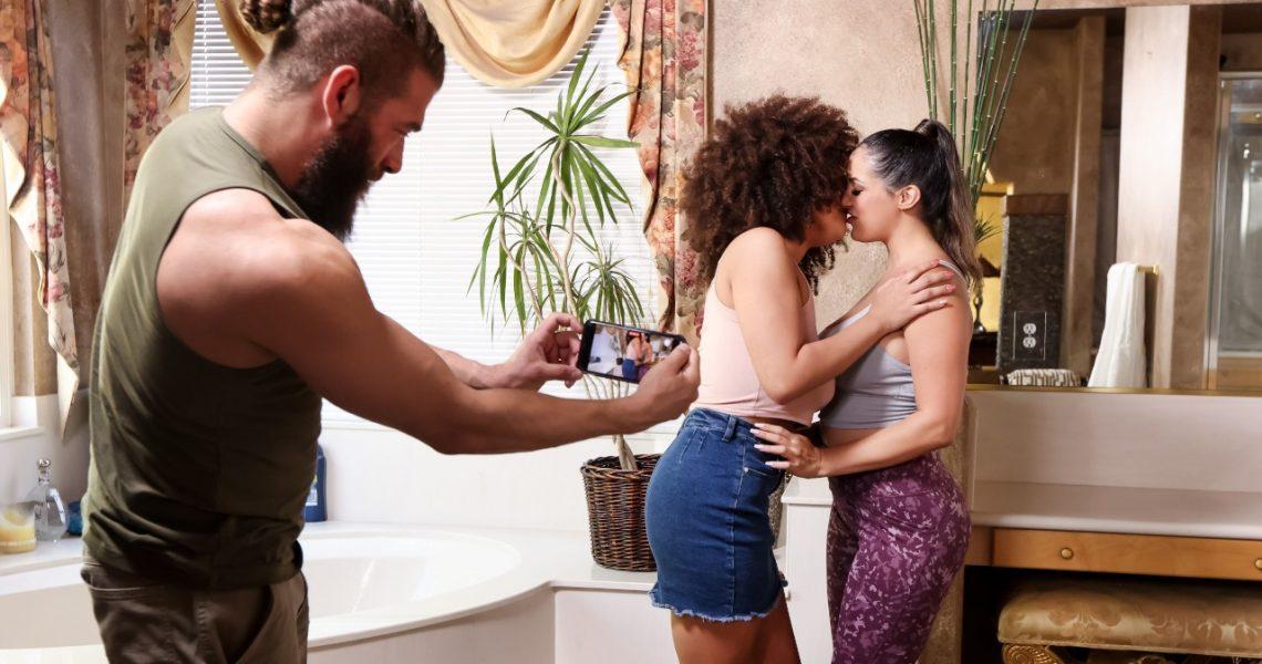 Brazzers Exxtra With Sofi Ryan & Nina Diaz In Jog By Threesome Pick Up
