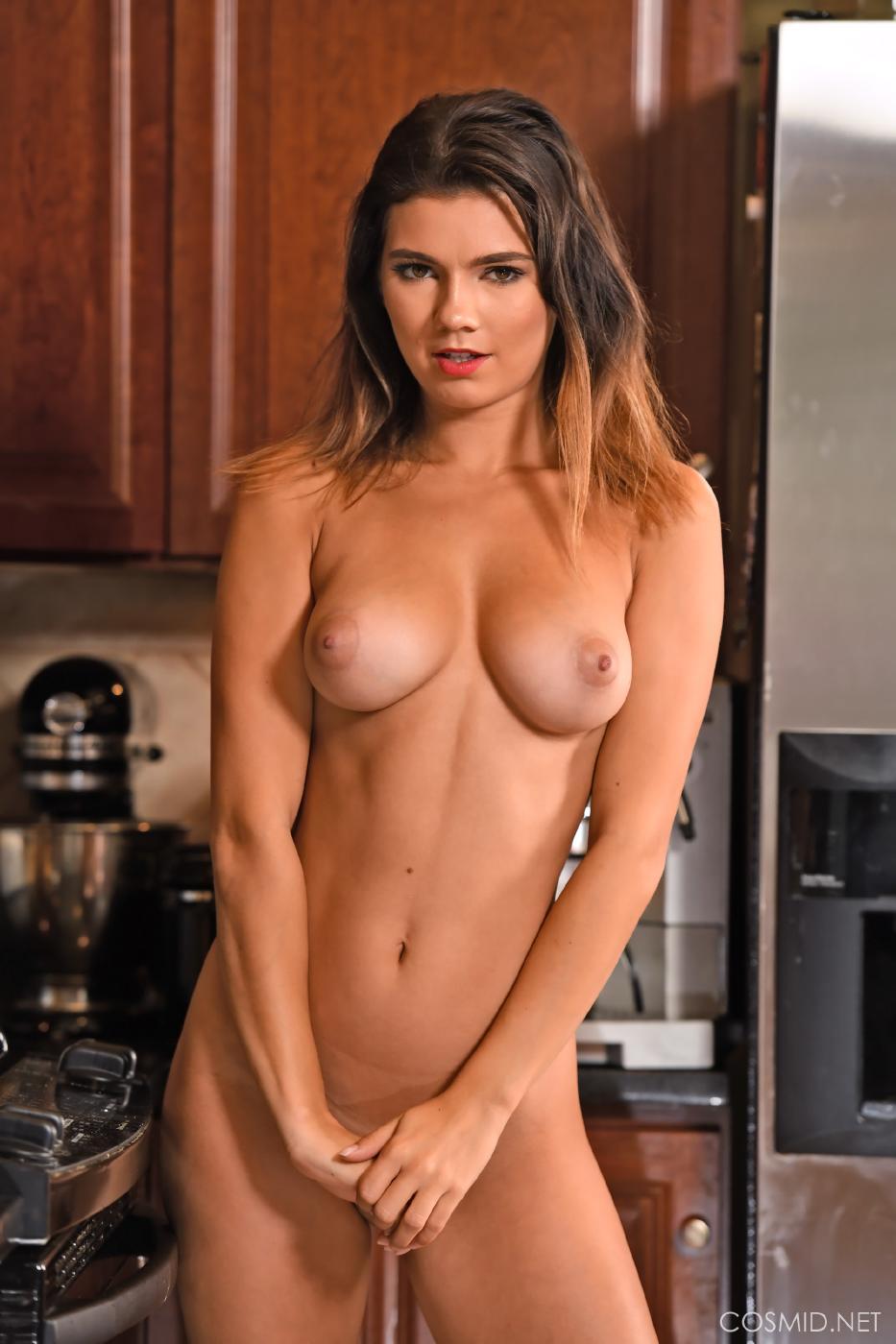 Dare Taylor Nude Kitchen Strip Set Leaked 0003