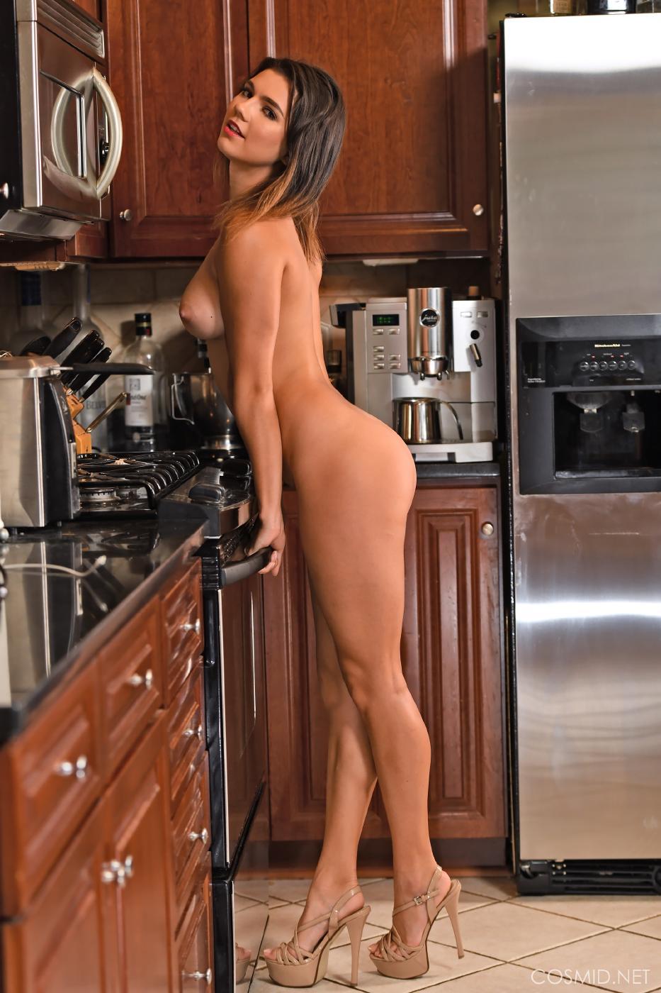 Dare Taylor Nude Kitchen Strip Set Leaked 0009