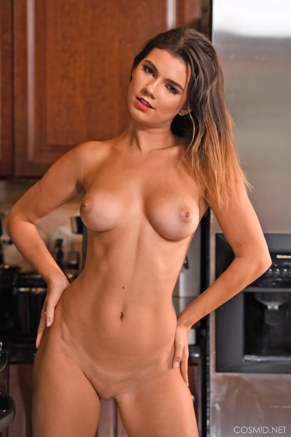 Dare Taylor Nude Kitchen Strip Set Leaked 0011