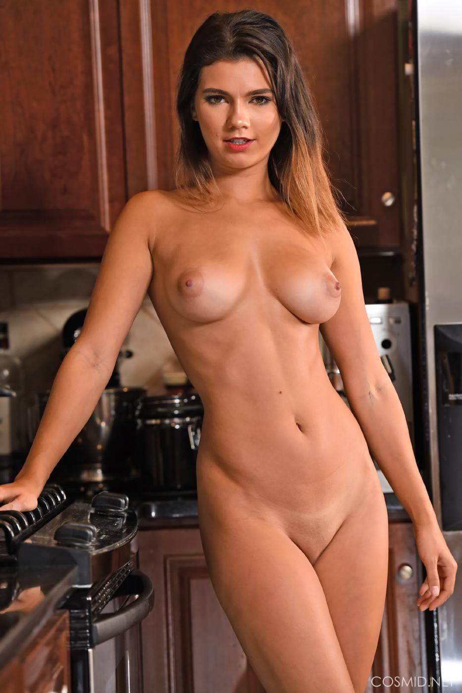 Dare Taylor Nude Kitchen Strip Set Leaked 0012