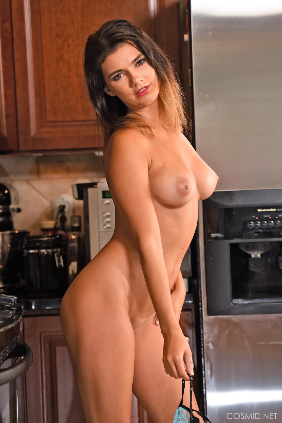 Dare Taylor Nude Kitchen Strip Set Leaked 0022