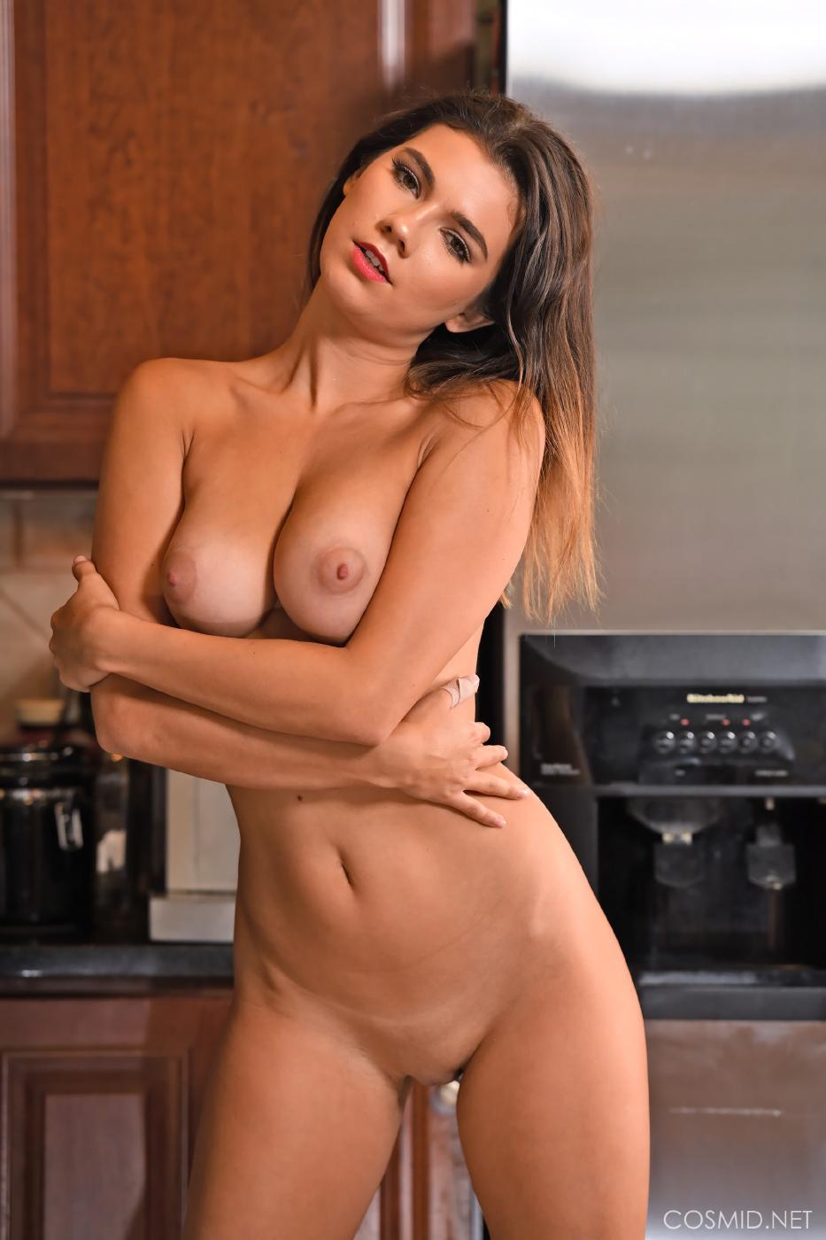 Dare Taylor Nude Kitchen Strip Set Leaked 0028